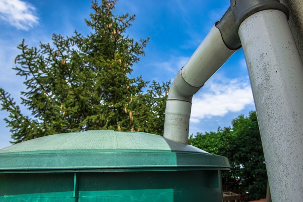 Récupération eaux de pluie réservoir extérieur