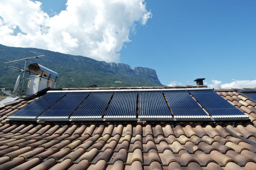 Chauffage solaire prix excellent chauffage solaire prix for Prix chauffage piscine