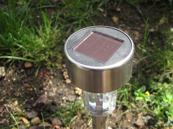 Spot LED solaire à piquer