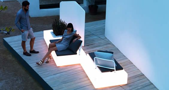 Mobilier lumineux solaire