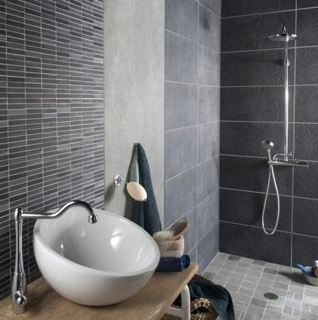 Bien choisir son carrelage bienchezmoi - Carrelage de douche italienne ...