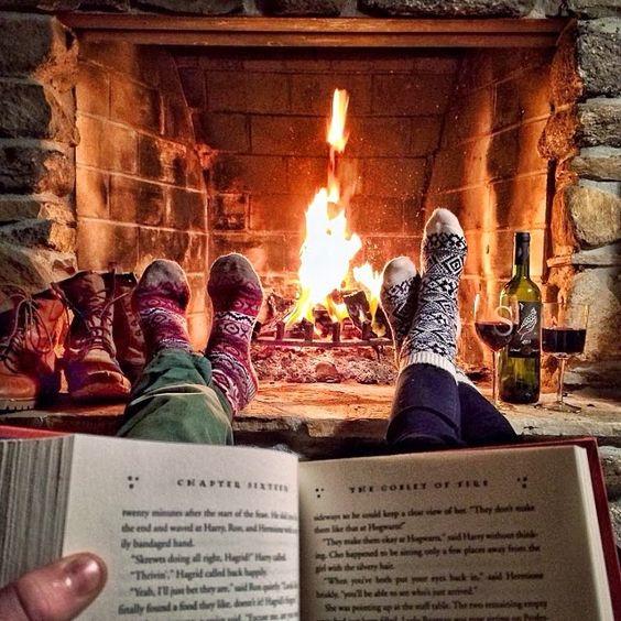 Hygge feu de bois cheminée