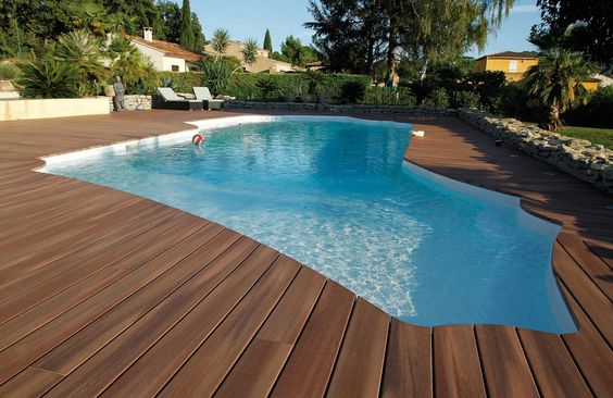 carrelage piscine moderne excellent optez pour la pierre naturelle pour votre piscine graulhet. Black Bedroom Furniture Sets. Home Design Ideas