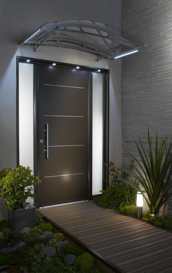Comment choisir une porte d 39 entr e bienchezmoi for Porte entree vitree alu